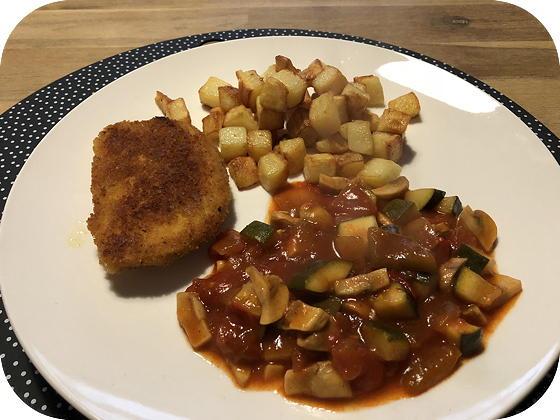 Vegetarische Provencaalse  Schnitzel met Piperade en Gebakken Aardappeltjes