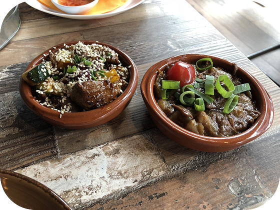 Tapas eten bij Tr3s Tres  Veenendaal runderstoofpotje, gewokte ossenhaaspuntjes