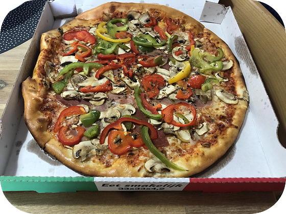 Pizza & Pasta van Casa Mia pizza quattro stagioni Veenendaal
