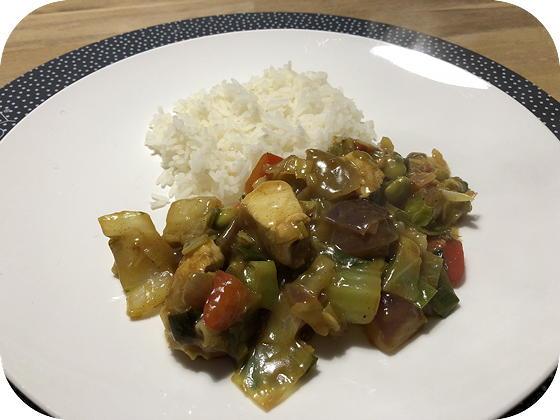Rijst met Kip en Groenten in Chinese Saus
