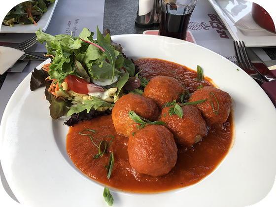 De Elze Lommel gehaktballetjes in tomatensaus
