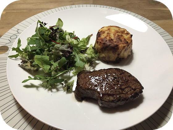 Biefstuk met Aardappelgratin en Salade
