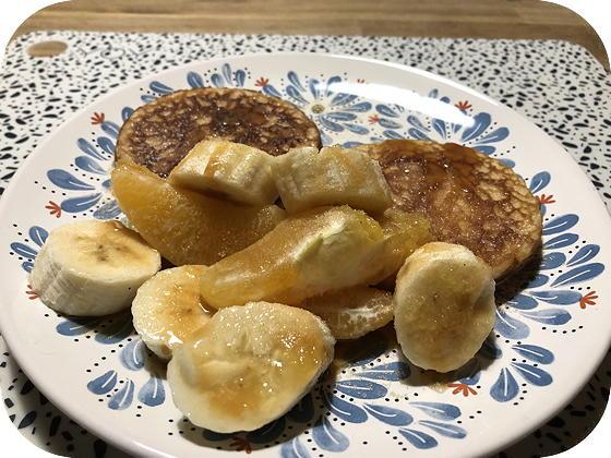Pancakes met Fruit en Salted Caramel