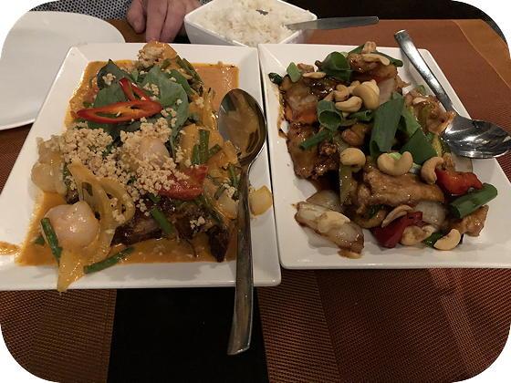Chiang Mai Menu bij My Asia Wageningen Kai Phad Med Ma Muang, Keng Phed Ped Yang
