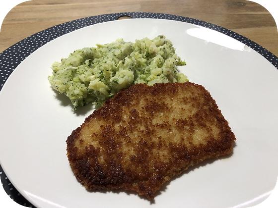 Broccolistamppot met vegetarische Schnitzel
