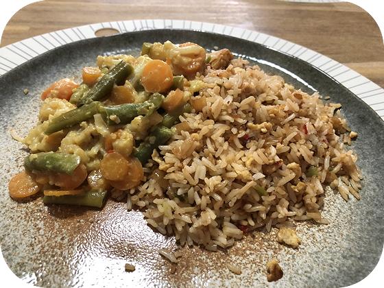 Vegetarische Nasi Goreng met Sajoer Lodeh