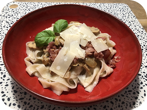Pasta met Champignons in Roomsaus