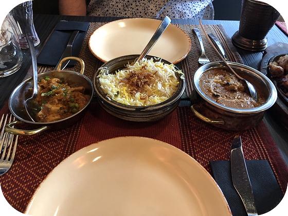 Indiaas Restaurant Namastey India in Veenendaal mushroom matar, basmati rijst en chicken tikka masala