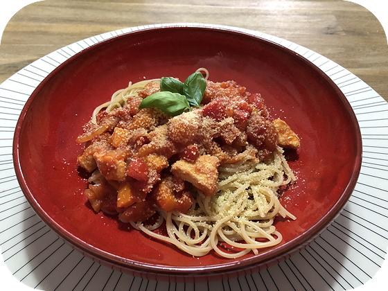 Pasta met Kip en Paprika in Barbecue-tomatensaus