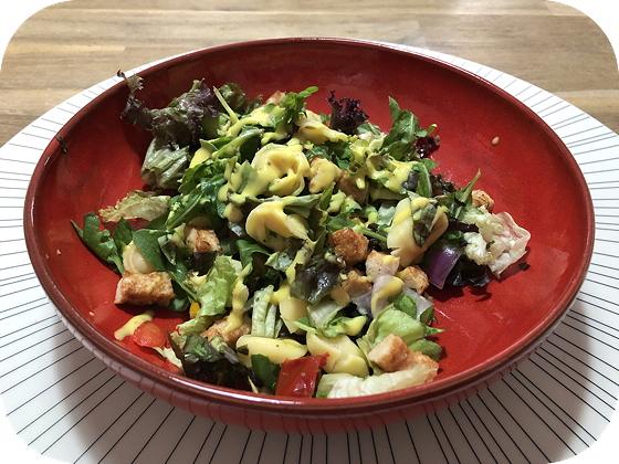 Salade met Tortellini en Kipreepjes