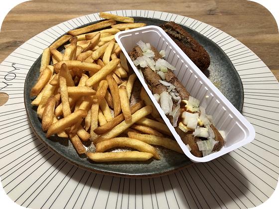 Patat met Frikandel Speciaal en Vegetarische Kroket