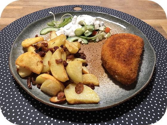 Kip Cordon Blue met Aardappeltjes en Salade