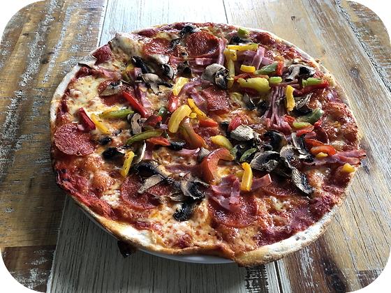 Pizza's van de Schouwse Hoeve Burgh-Haamstede quattro stagioni