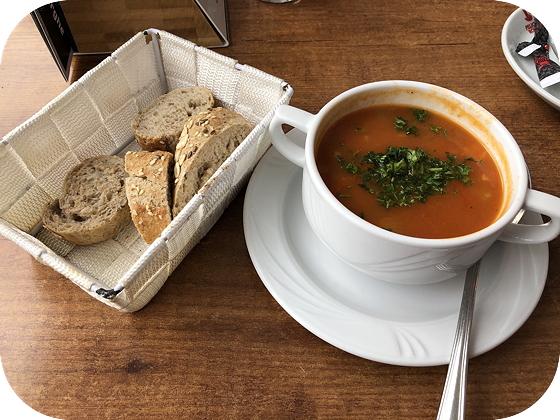 De Zeeuwsche Herberghe in Zierikzee twaalf uurtje soep