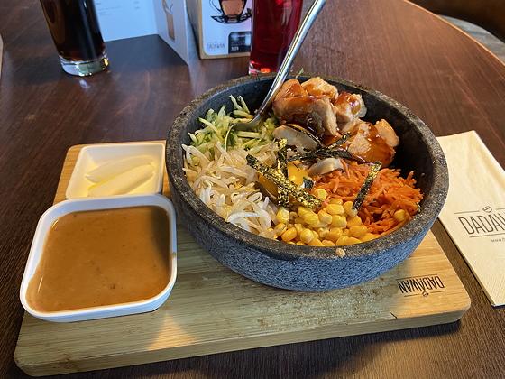 Lunchen bij Dadawan Eindhoven stone bowl chicken saté