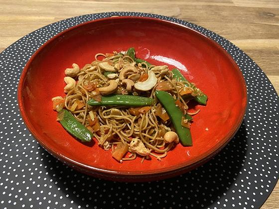 Noodles met Sugarsnaps en Wortel