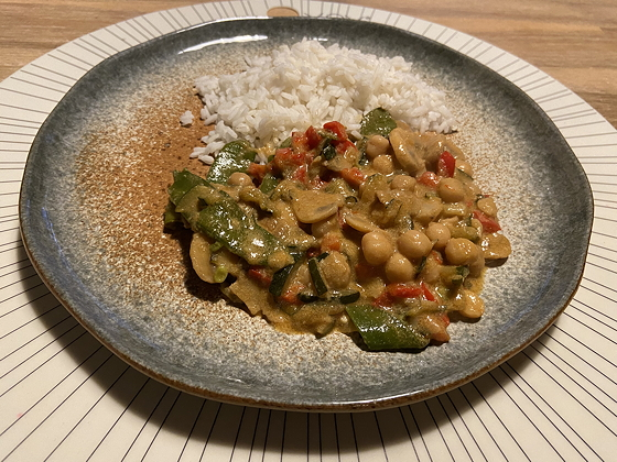 Thaise Rode Curry met Peultjes en Courgette