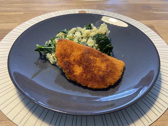 Spinazie met Vegetarische Satéschnitzel
