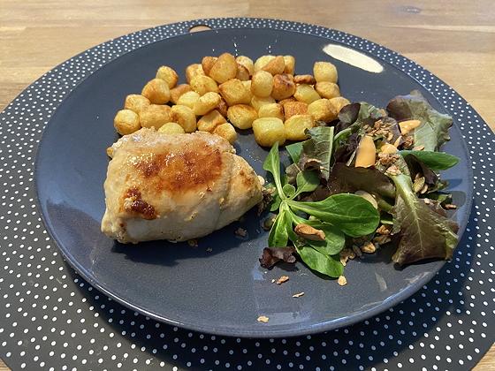 Kip Cordon Bleu met Aardappeltjes en Salade