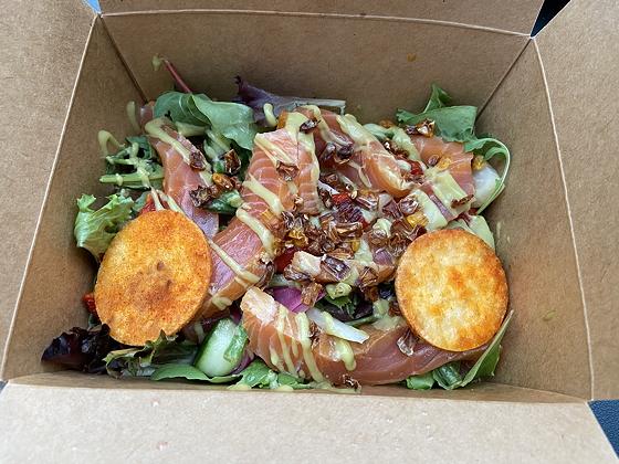 Salades van Bite Veenendaal huisgerookte zalm salade