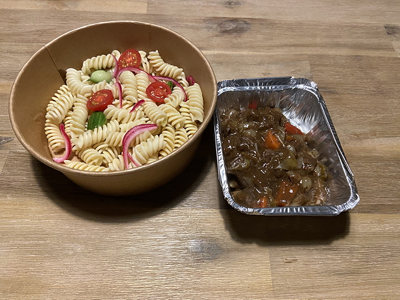 Driegangenmenu van Bite Veenendaal pastasalade met runderstoof
