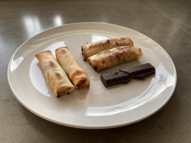 Chocoladeloempia & Grillworstloempia van de BBQ
