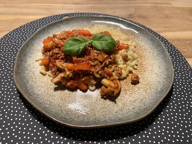 Macaroni met Gehakt, Champignons en Tomatensaus