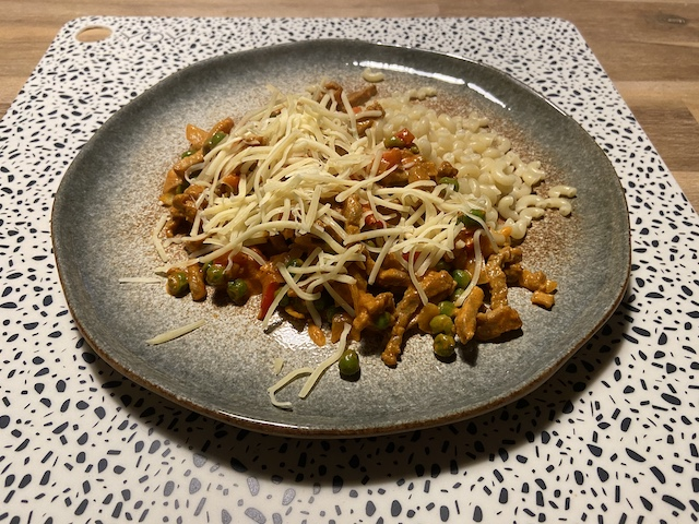 Macaroni met Shoarma in Romige Tomatensaus