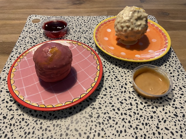 Driegangenmenu van Malle Balle Veenendaal dessertbal hazelnootbal en cheesecake bal