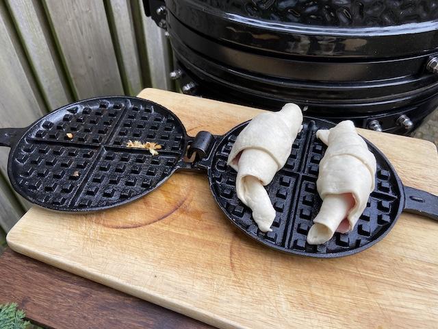 Croissantwafels met Ham & Kaas van de BBQ