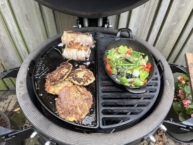 Schnitzel Gevuld met Wortel en Paprika van de BBQ